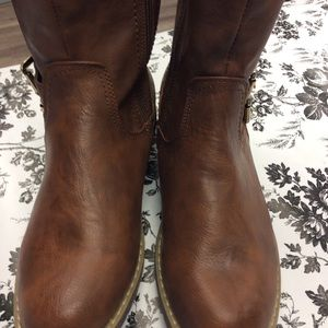 Liliana leather upper boots Size 7 1/2